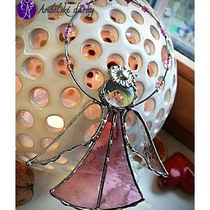 Andělská vitráž Tiffany - strážný anděl růžová něha - 12x 9cm