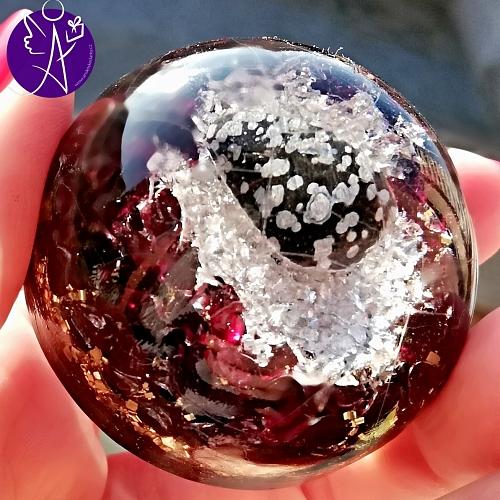 Orgonitová polokoule - obsidián a gránát - magická ochrana  5 cm