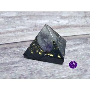 Orgonitová pyramida malá - ametyst a šungitový pudr 2,5 x 2,5cm