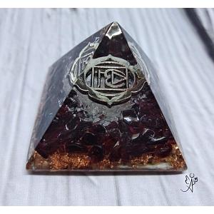 Orgonitová pyramida harmonizace 1. čakry se symbolem 4 x 4 cm
